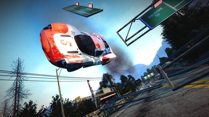 A série Burnout foi feita para quem cansou dos simuladores certinhos (Divulgação/EA)