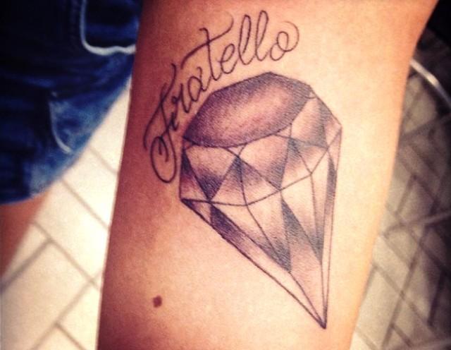 Tatuador Neymar Rafaella Santos (Foto: Reprodução / Instagram)