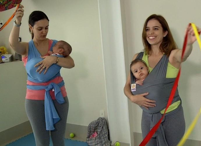 Mamães da região dançam com seus bebês (Foto: Rio Sul Revista)