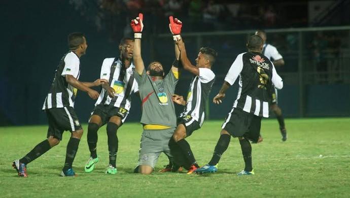 Brasileirão Série D, goleiro artilheiro do Santos-AP se inspira em Rogerio Ceni (Foto: Antônio Assis/FAF-AM)