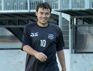 Renato Cajá em treino da Ponte Preta (Foto: Carlos Velardi/EPTV)