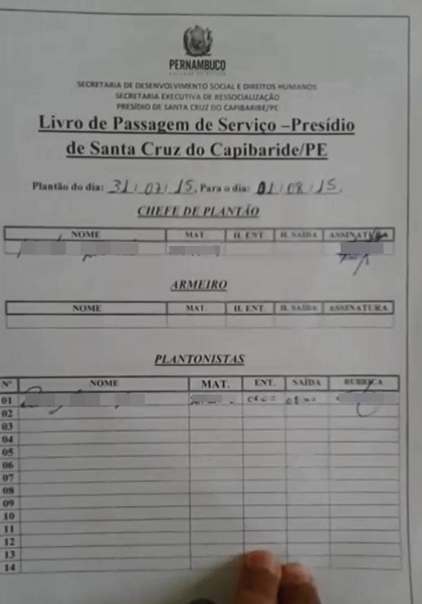 Livro de passagem de serviço do Presídio de Santa Cruz do Capibaribe no dia 31 de julho (Foto: Divulgação/ Sindasp-PE)