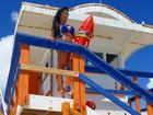 Aline Riscado posa em estilo 'Baywatch' e se despede de Miami