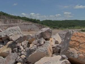 Rocha de calcário em Nobres (MT) (Foto: Reprodução/TVCA)