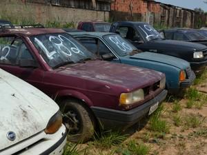 Carros pátio Detran (Foto: Igor Martins/assessoria Detran/AC)