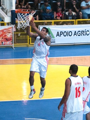 Shilton basquete Flamengo x ACF Campos (Foto: Fabio Leme)
