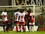 Vídeo mostra goleiro Bruno sendo provocado em jogo do Boa Esporte