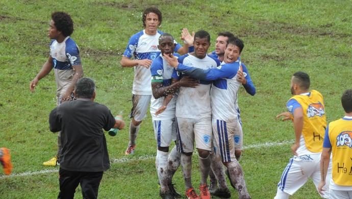 Washington - gol do Osvaldo Cruz - Osvaldo Cruz x Fernandópolis (Foto: João Paulo Tilio / GloboEsporte.com)
