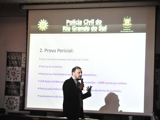 Marcelo Arigony na divulgação do inquérito sobre o incêndio na boate Kiss em Santa Maria (Foto: Ricardo Duarte/Agência RBS)