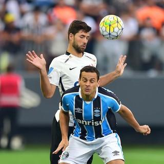 089167d390 Corinthians admite perder Felipe  zagueiro fala em acerto encaminhado