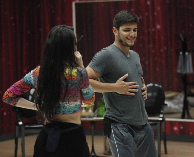 Dupla arrasa no funk (Foto: Raphael Dias/ TV Globo)