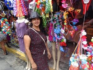 Rosemere espera que vendas aumentem até o fim do carnaval (Foto: Joalline Nascimento/ G1)