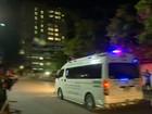 Oito meninos são tirados de caverna na Tailândia; faltam quatro e o técnico