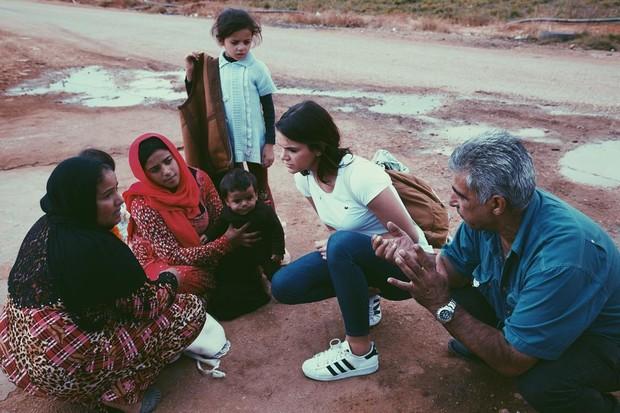 Bruna Marquezine durante visita ao Líbano (Foto: Reprodução/Instagram)