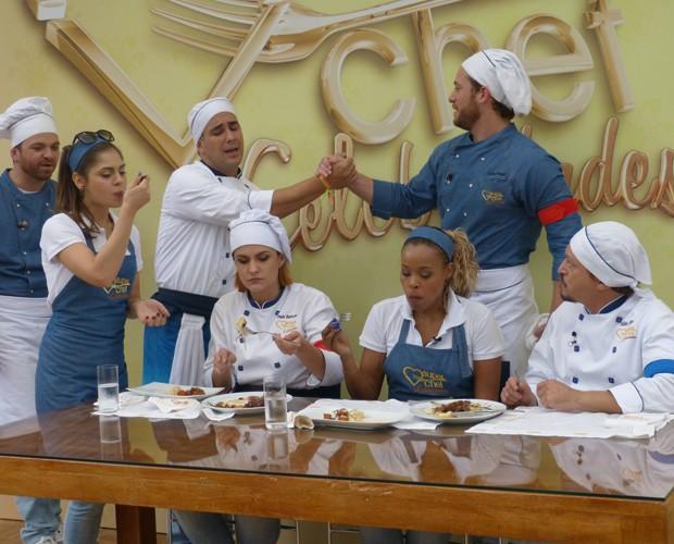Chefs-anjo são desafiados a cozinhar para os concorrentes (Foto: Mais Você/TV Globo)