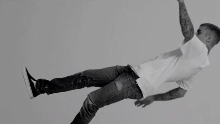 x Karla: inspirada por Justin Bieber, stylist lança coleção de camisetas  (Foto: Divulgação)