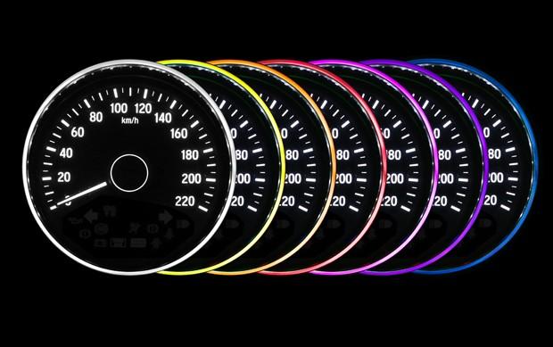 Opções de cores para o quadro de instrumentos no Honda HR-V (Foto: Divulgação)