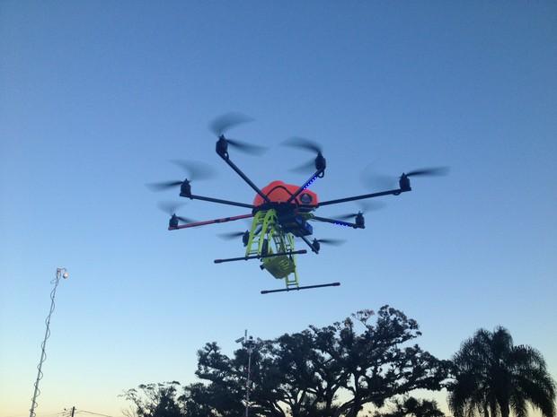 Pela primeira vez a polícia gaúcha utiliza um Drone em operações (Foto: Fábio Almeida/RBS TV)