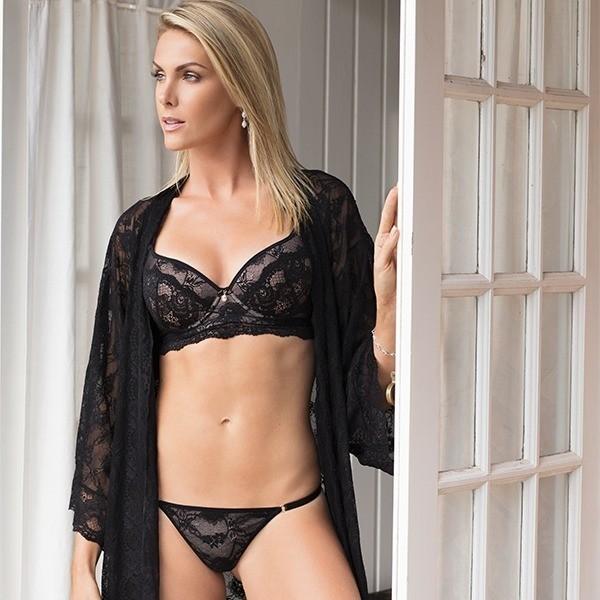 ENTRETENIMENTO  Frio  Ana Hickmann esquenta com ensaio de lingerie 97ea44da25