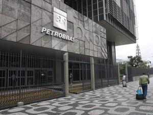 """""""Clube"""" compartilhava preços antes de licitação da Petrobras, diz novo delator"""