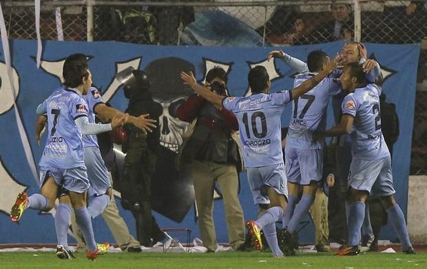 Bolívar 3 x 0 Universidad Católica, Libertadores 2012 (Foto: EFE)