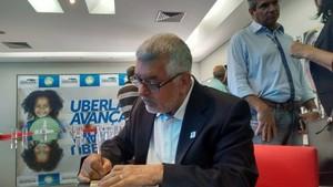 Manoel Luiz Oliveira, presidente da Confederação Brasileira de Handebol, em Uberlândia (Foto: Gullit Castro)