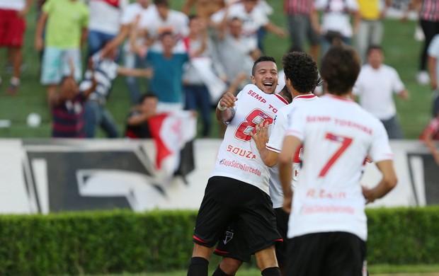 Antonio Carlos comemora, Cruzeiro x São Paulo (Foto: Cristiane Mattos/Futura Press)