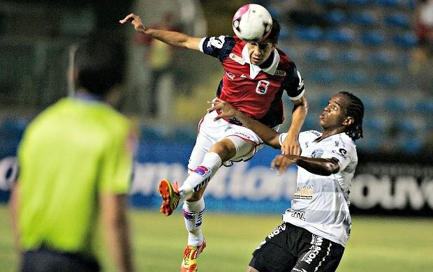 Ceará x Paraná, 32ª rodada da Série B (Foto: Kid Júnior / Ag. Diário)