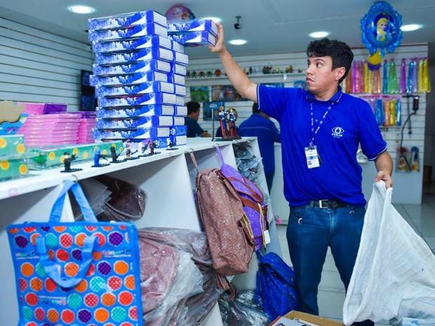 Brinquedos foram apreendidos em ação no Centro de Manaus (Foto: Roberto Carlos/Secom)