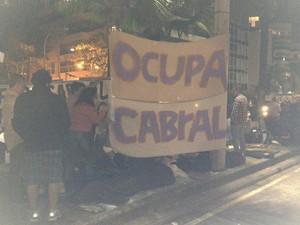 protesto ocupação casa Sérgio Cabral Rio (Foto: Henrique Coelho/G1)