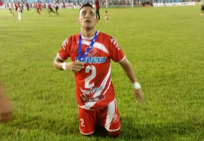 Clayton Carioca comemora título do Imperatriz (Foto: Bruno Alves/Globoesporte.com)