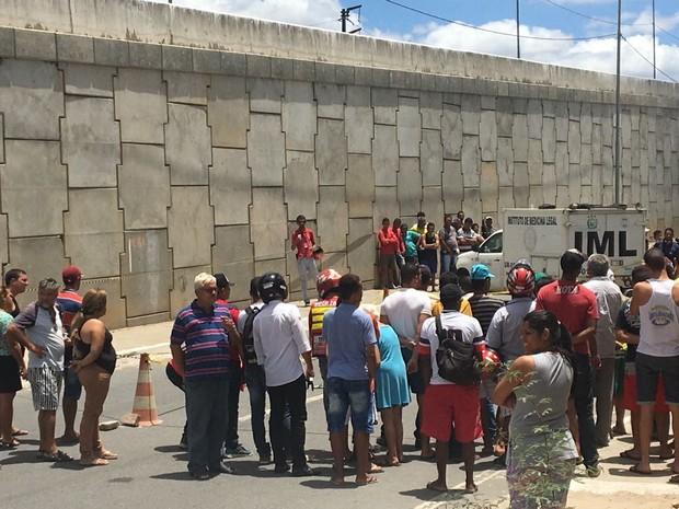 Crime ocorreu na BR-104 em Caruaru  (Foto: Anderson Melo/Tv Asa Branca)
