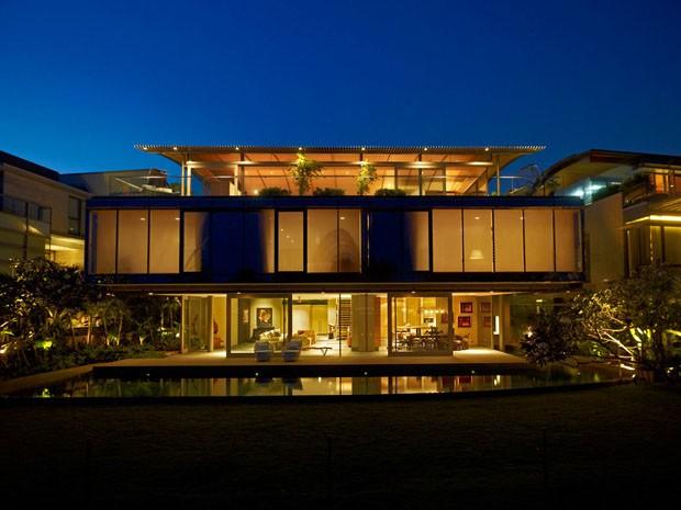 Luxo envidra ado em frente ao mar casa vogue arquitetura for Americas best home builders