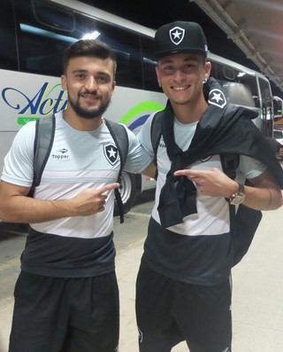 Victor Luis, Diogo Barbosa, Botafogo (Foto: Divulgação / Botafogo)