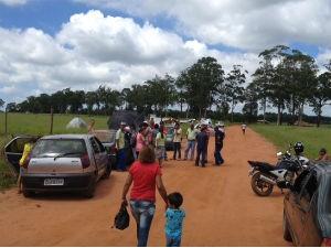 Famílias ocupam área em Iaras (Foto: Patrick Lima/TV Tem)