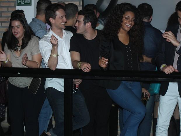 Igor Anglkorte, Marcos Veras e Juliana Alves em show em São Paulo (Foto: Amauri Nehn/ Foto Rio News)
