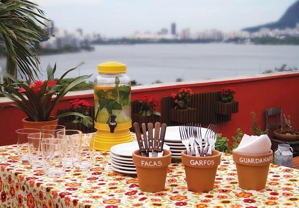 Mesa posta para os convidados (Foto: Divulgação)