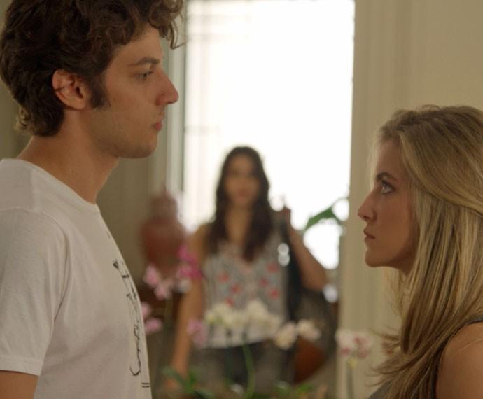 Cecília vai bagunçar novamente a vida de Rafael (Foto: TV Globo)