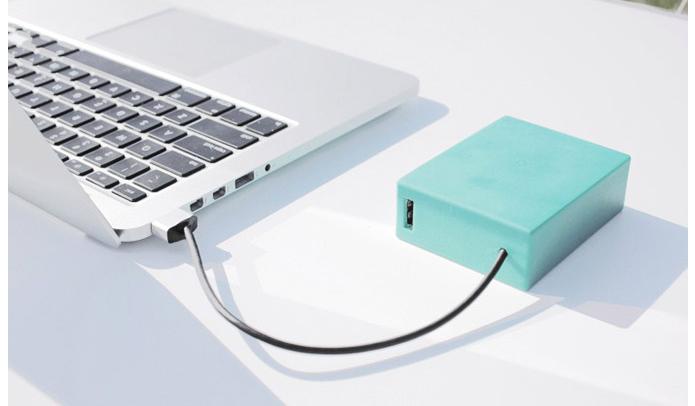 Caixinha garante muitas horas de bateria aos Macbooks (Foto: Reprodução/Like Cool)
