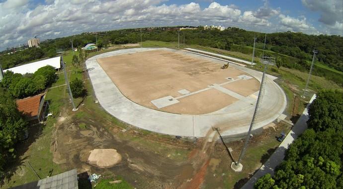 Pista de atletismo UFPI (Foto: Reprodução/Facebook)