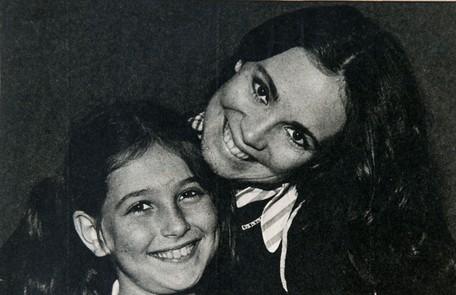 Aos 10 anos, passou num teste com 600 meninas e gravou 'Malu mulher' como Elisa, filha de Regina Duarte, durante três meses. Por causa de uma mudança na história, acabou substituída por Narjara Turetta, três anos mais velha Reprodução