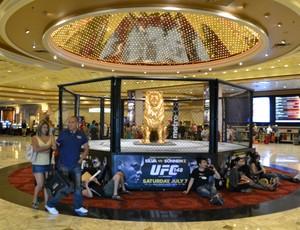 Octogono no lobby do MGM (Foto: Adriano Albuquerque / Sportv)