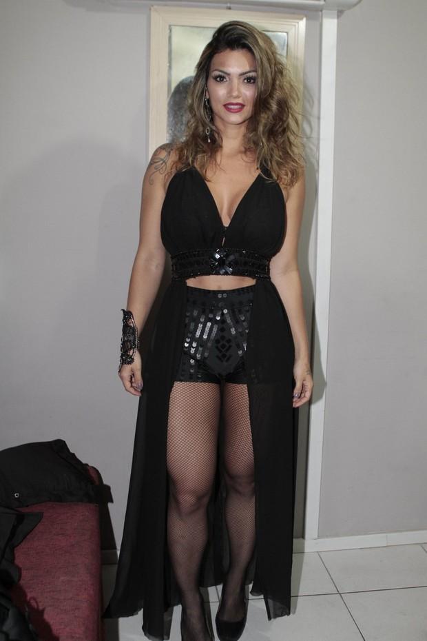 O look de Kelly Key para show na festa Chá da Alice (Foto: Isac Luz;/EGO)