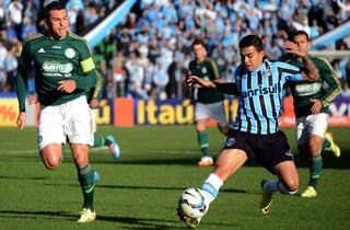 Dudu e Lúcio Grêmio x Palmeiras (Foto: Luiz Munhoz/Agência Estado)