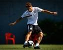 Santos aguarda aval de Dorival Júnior para tentar renovar com Neto Berola