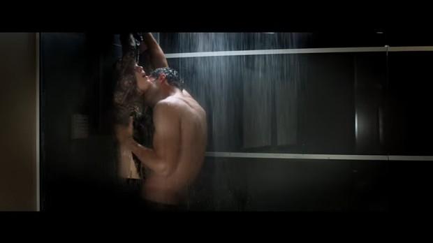 Cenas da sequência do filme Cinquenta Tons de Cinza (Foto: Reprodução/Youtube)