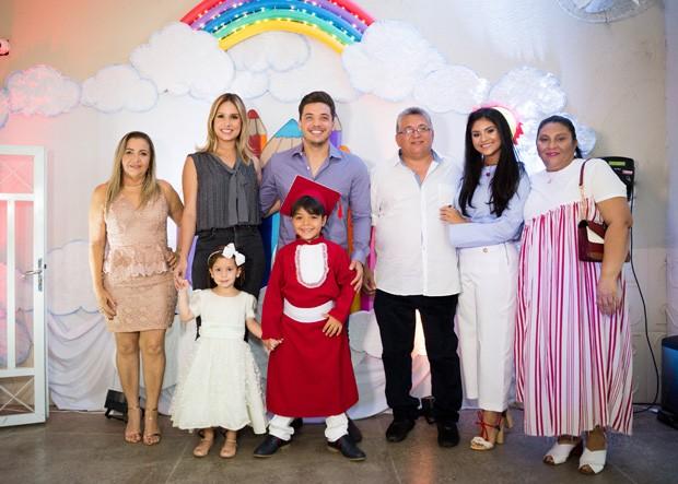 Wesley Safadão e a família (Foto: Larah Cordeiro)