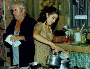 Karina Barum na pele de Shriley Manca, na novela 'Torre de Babel', em 1998 (Foto: Acervo Globo)