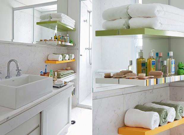 banheiro-branco-prateleira-organizacao (Foto: Maíra Acayaba/Editora Globo)