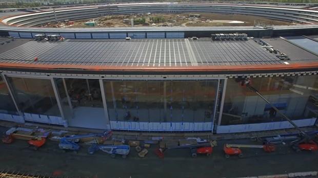 A futura entrada da nova sede da Apple (Foto: Reprodução/YouTube Matthew Roberts)